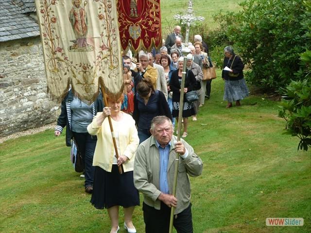 La procession autour de la chapelle