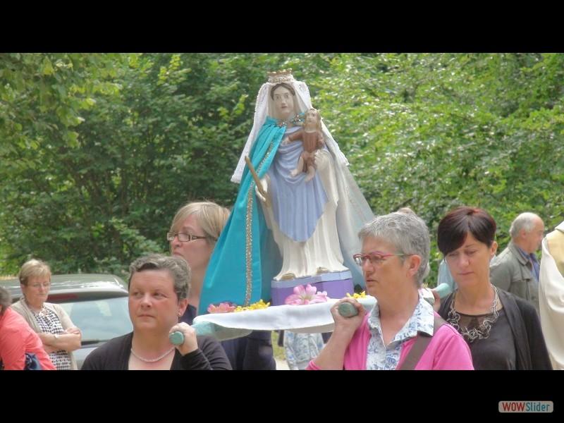 Canihuel Pardon ND 2015 la statue de ND durant la procession