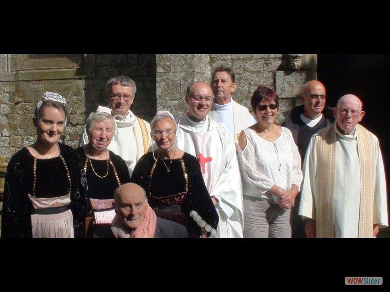 Pardon IV Karmez Lescouët Gouarec 2016 Avec les prêtres et les fidèles