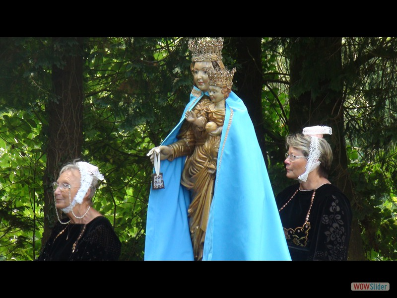 Pardon IV Karmez Lescouët Gouarec 2016 la statue de ND