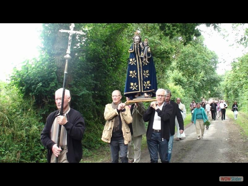 Pardon IV Rosquelfen ND de Bon Secours Laniscat 2017 la procession ND de Rosquelfen. (800x450)